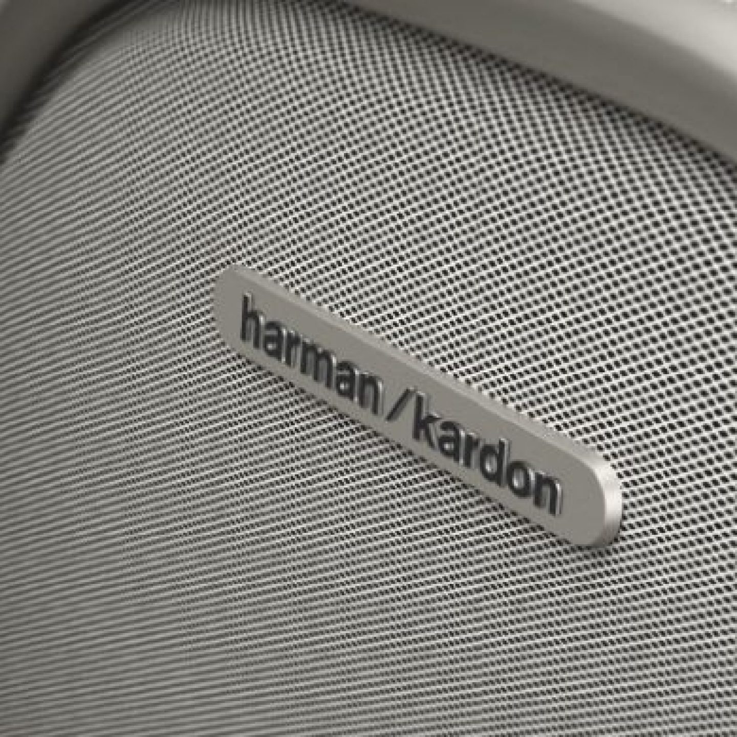 19-Speaker Harman Kardon® Audio System